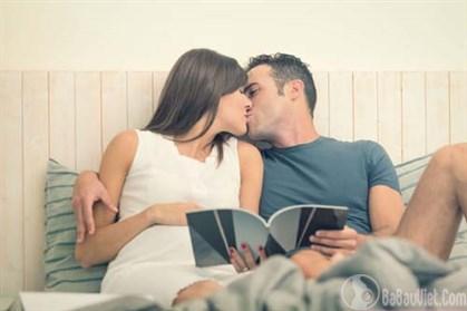Mang thai được 1 tuần rồi có được quan hệ vợ chồng hay không?
