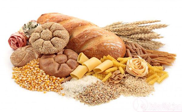 Ăn thực phẩm giàu tinh bột, ít chất béo để giảm ốm nghén