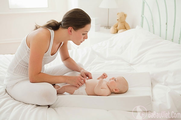 Cách vệ sinh hàng ngày cho trẻ sơ sinh