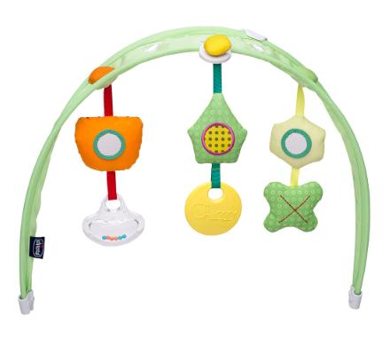Thiết kế khung treo đồ chơi di chuyển linh động giúp kích thích giác quan cho bé từ sớm.